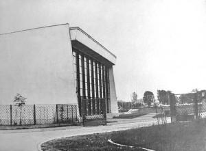 Stara hala znicza, lata 70